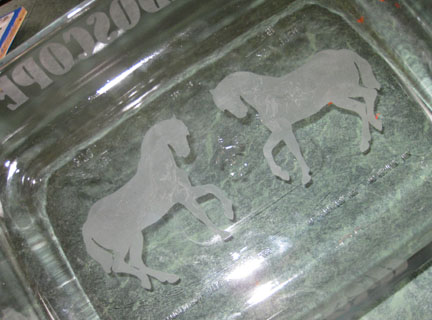 DebDuzScrappin: Gift idea - Glass etched pan (cricut)