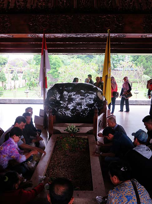 Makam Sang Proklamator RI; Ir. Sukarno