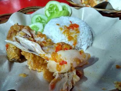 Kuliner Ayam Geprek Pedas Bikin Ketagihan