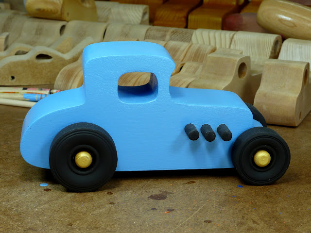 20170522-192626 Wooden Toy Car - Hot Rod Freaky Ford - 27 T Coupe - MDF - Blue - Black - Gold 03