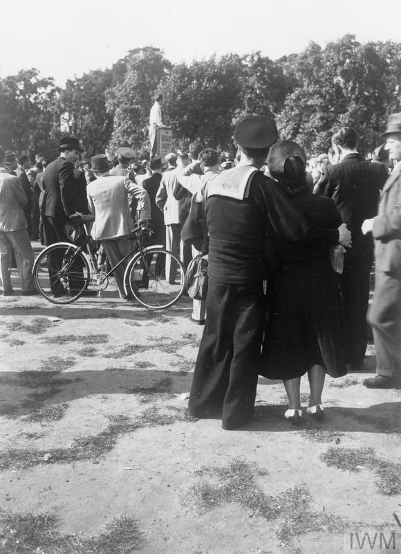 11 February 1941 worldwartwo.filminspector.com Hyde Park socialist speaker