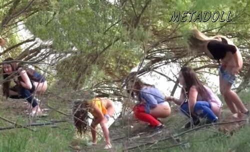 Girls Gotta Go 51 (Spanish girls caught peeing on the festivals)