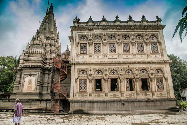 shinde chhatri pune travel guide photo