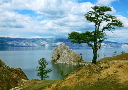 Hồ nội địa nào sâu nhất thế giới?