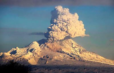 Vulcão Shiveluch – Russia