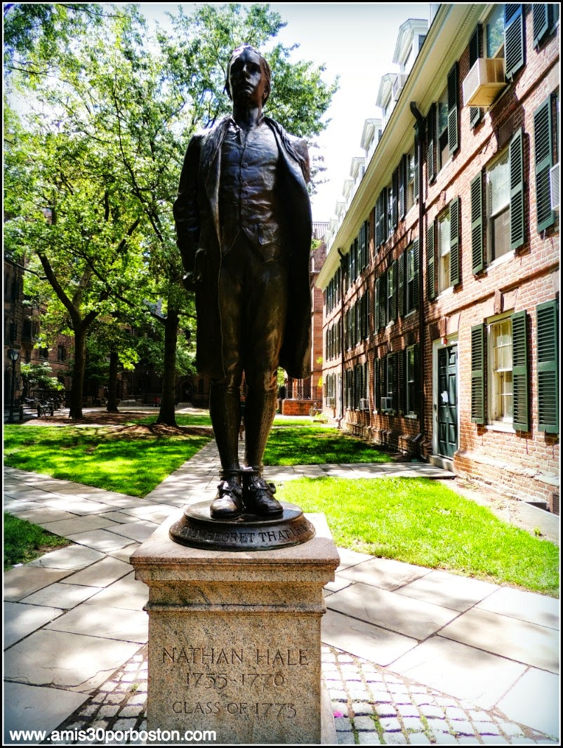 Old Campus de la Universidad de Yale: Nathan Hale