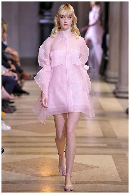 Carolina Herrera S/S 2016 rose quartz