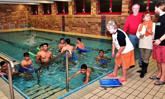 Wahres Problem: Flüchtlinge können nicht schwimmen