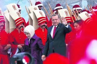 """Ανθρωποφάγοι: Μια άλλη προσέγγιση για τη σημαία, θα γίνει ο Ερντογάν… """"Τούρκος Σαντάμ και Άσαντ"""";"""