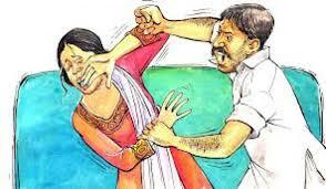 खाना परोसने में पत्नि ने देर की तो पति ने डण्डों से पीटा | Badarwas News