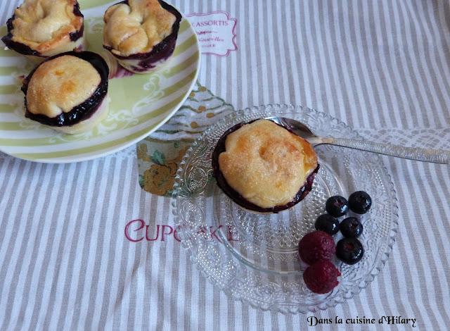 Mini-pies aux framboises et myrtilles
