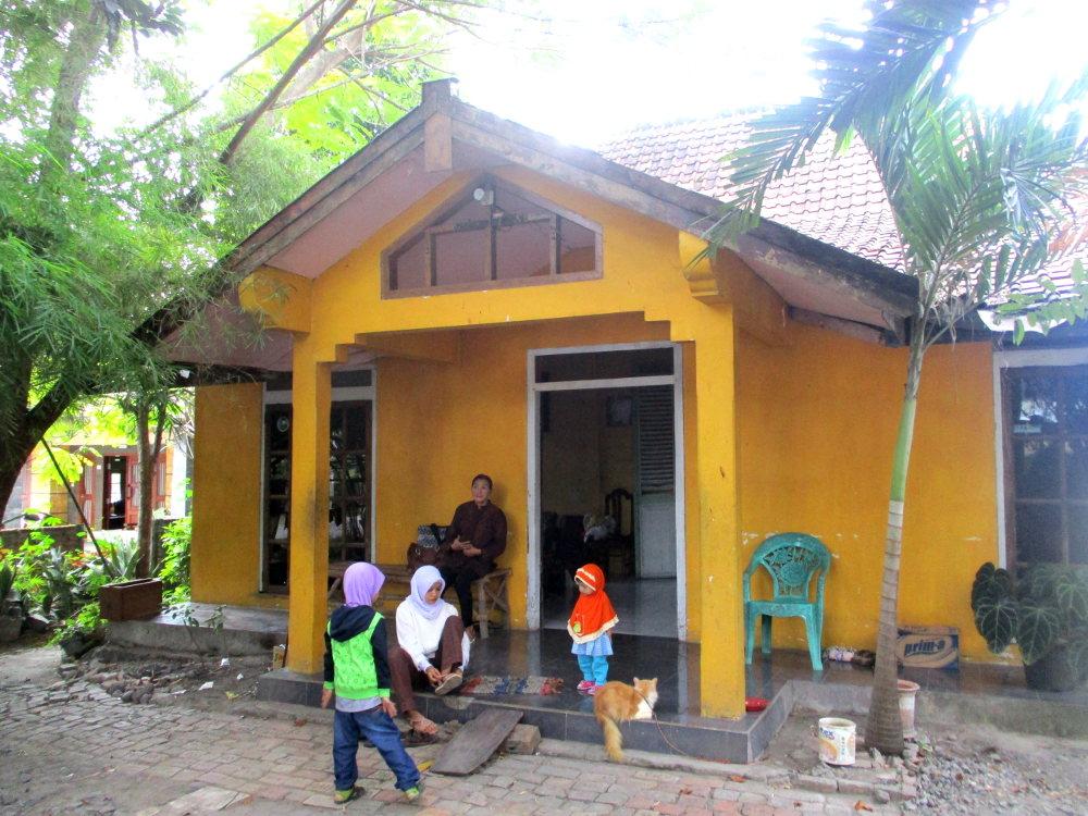 Belajar Merawat Ternak di Desa