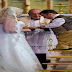 """Construye escalera para """"estar a la altura"""" en su boda"""