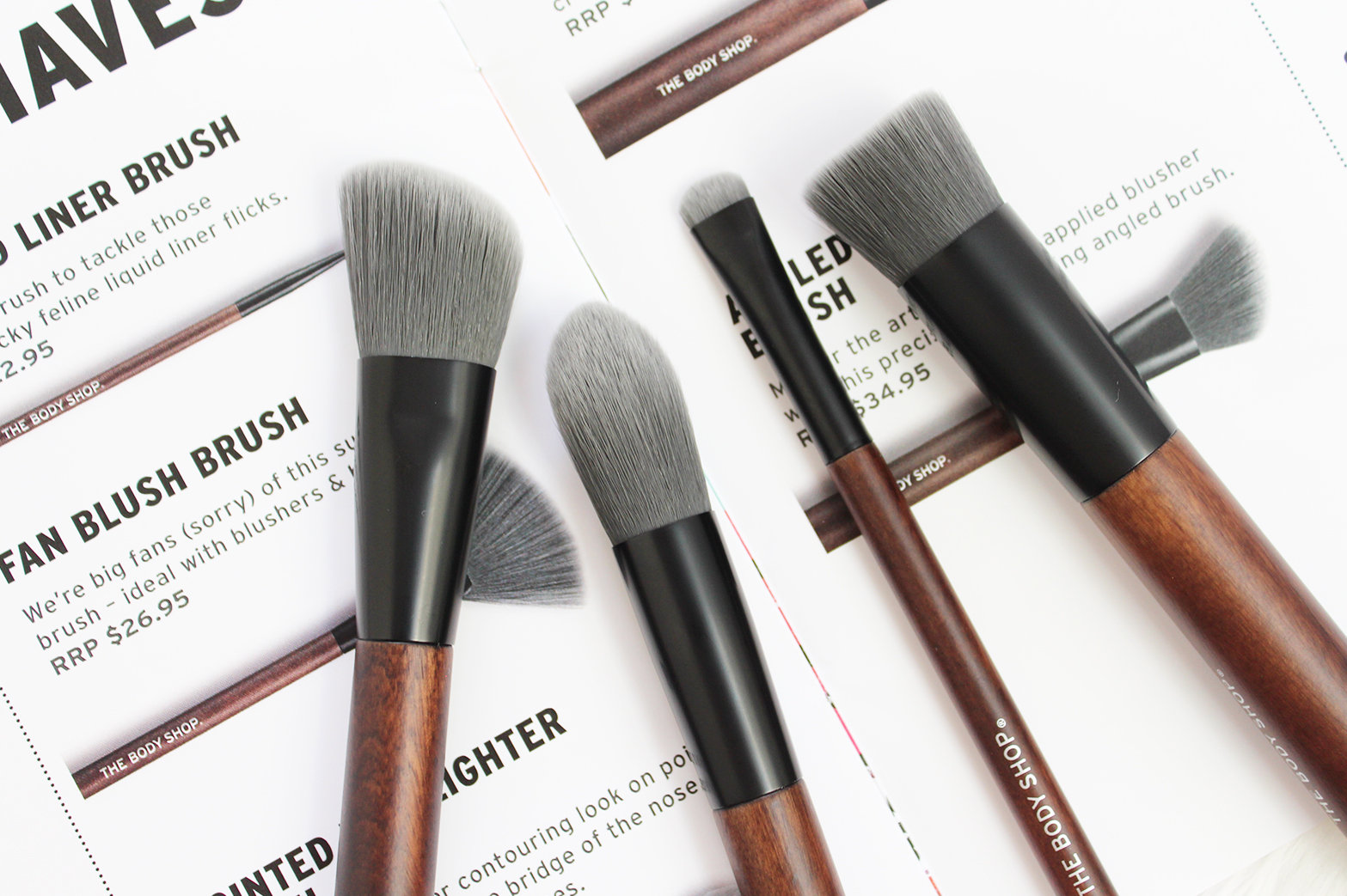 THE BODY SHOP | New Customisable Eyeshadow Palettes + Brushes - CassandraMyee