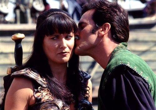 """Lucy Lawless e Bruce Campbell in """"Xena: la principessa guerriera"""""""