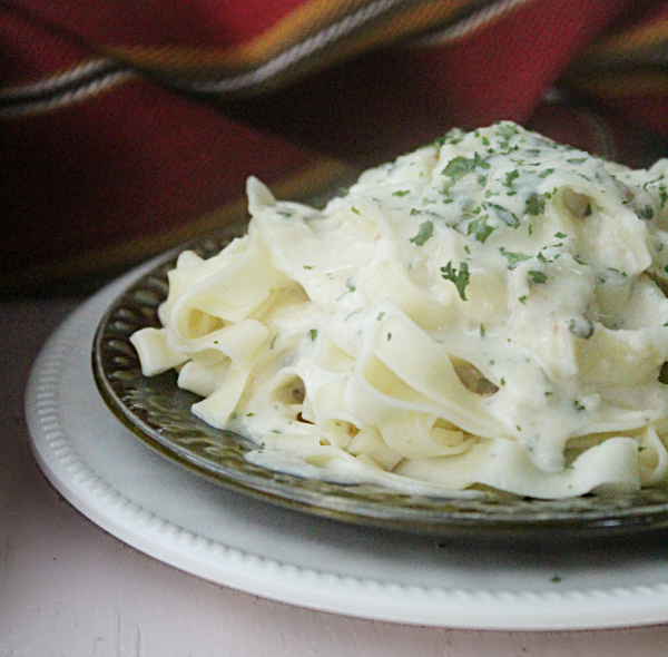 Fettuccine Alfredo with Homemade Alfredo Sauce