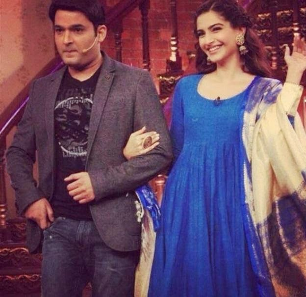 'Bewakoofiyan' Team at Comedy Nights With Kapil promotion
