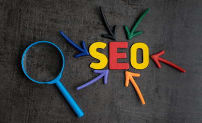 Perbedaan White Hat SEO VS. Black Hat SEO