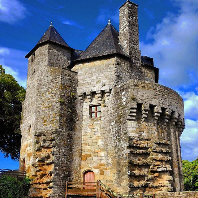 City Walls of  I Vannes I Brittany I France I Travelling Hopper I