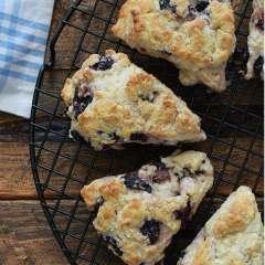 Receta para preparar scones de arándanos azules y limón