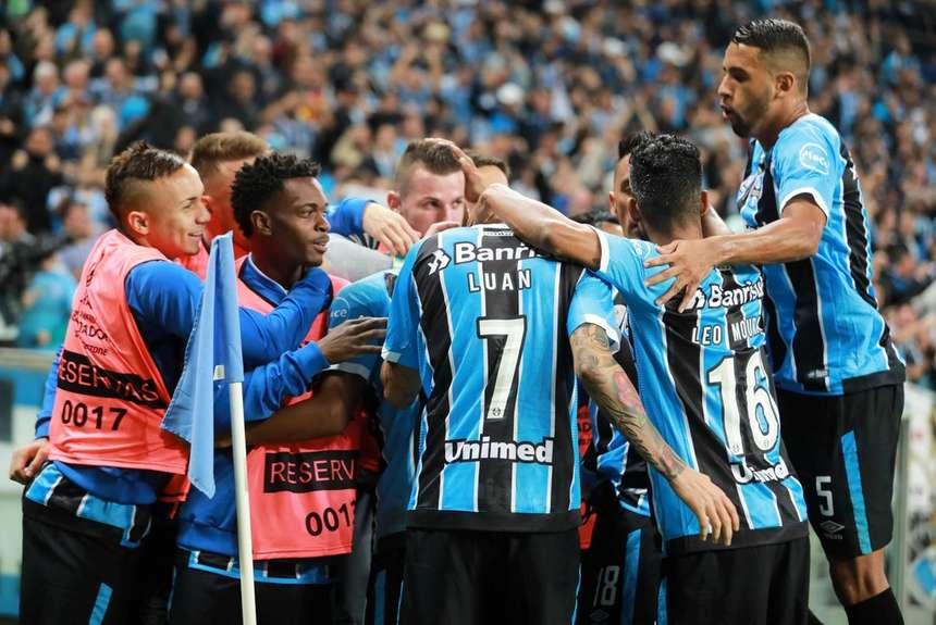 Grêmio vence Godoy Cruz e está nas quartas de final da Copa ... 7896e816333b7