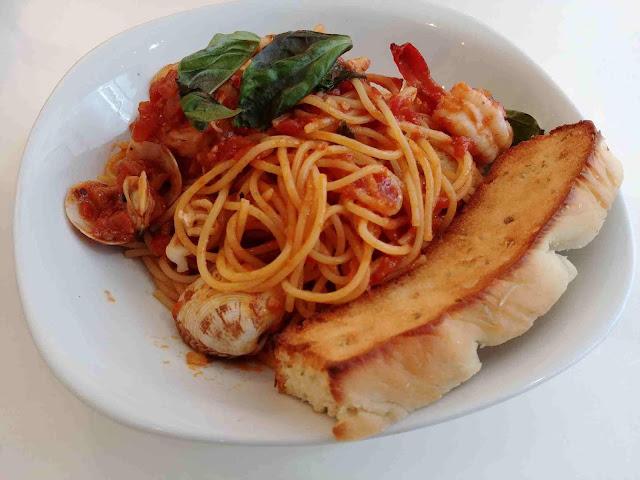 Marinara pasta at Plan B Cafe