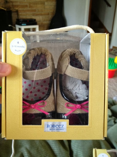 4d9bdcff6 Top Notch Material  Robeez Baby Shoes