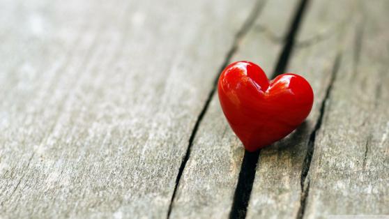 Hindi Love Poem For Girlfriend – मेरे दिल के हर पन्नो में