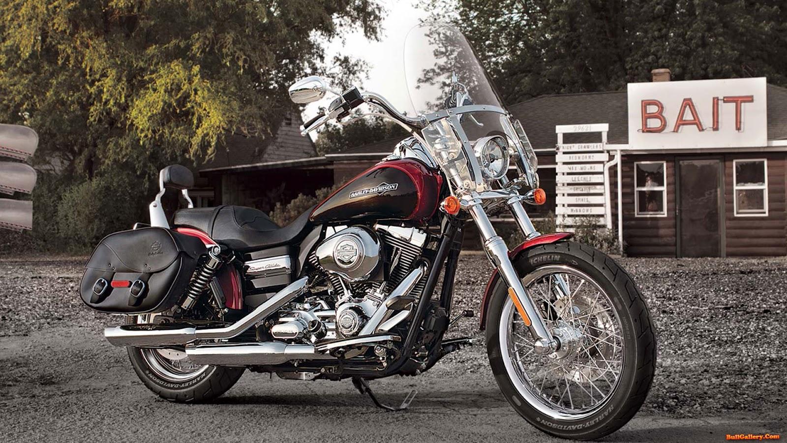 Harley Davidson Dyna Super Glide Custom 2013 Wallpapers
