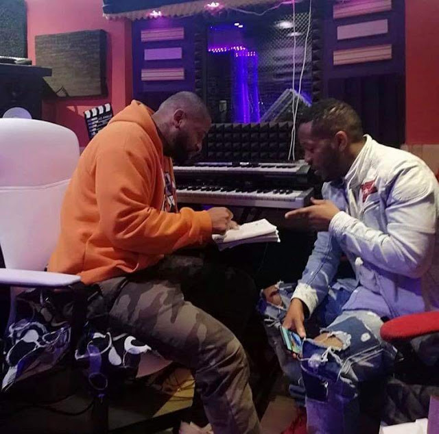 Phoenix RDC & Dji Tafinha - Vem (Rap)
