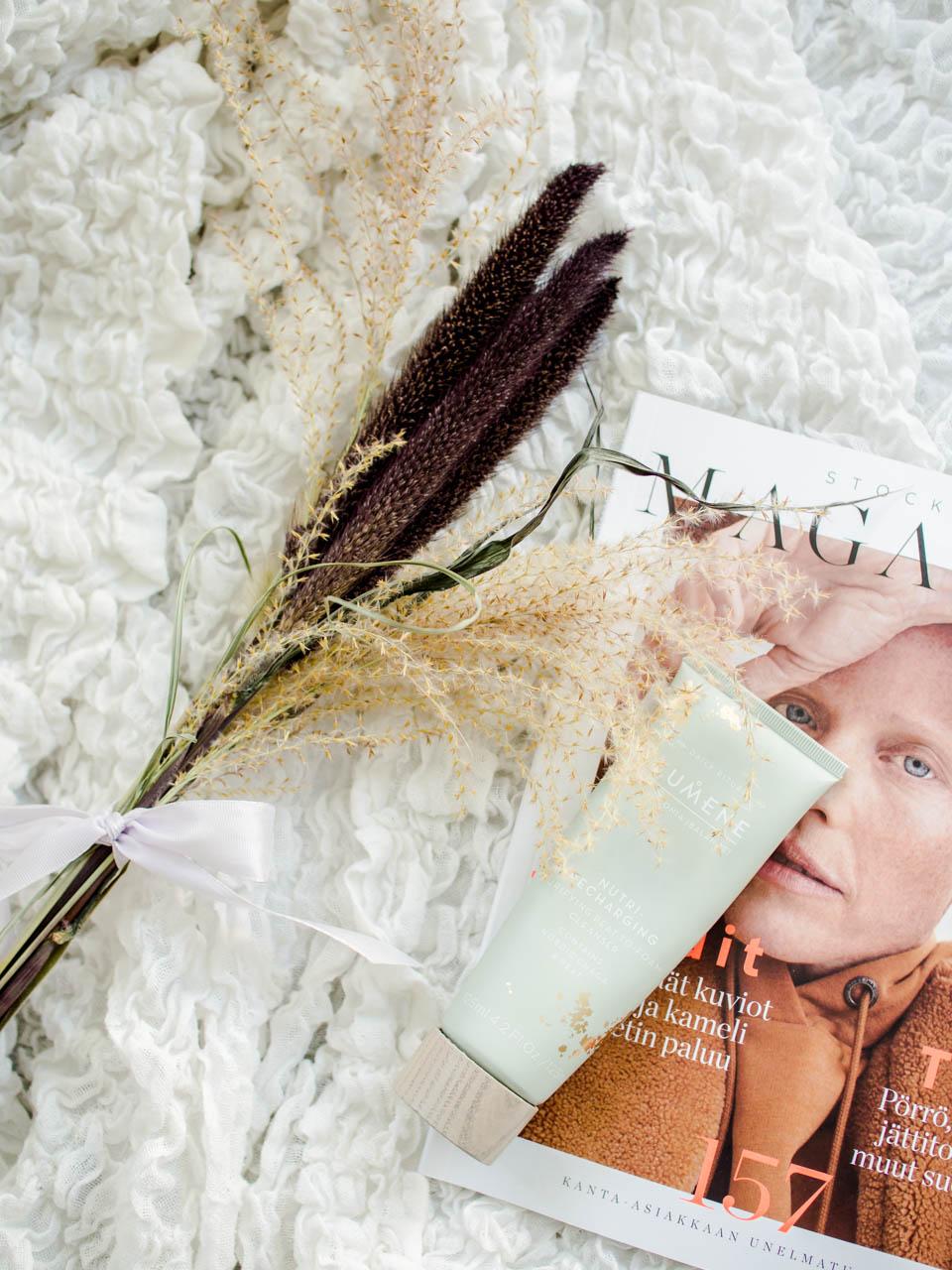 lumene-harmonia-balance-peat-to-foam-cleanser-skincare-natural-cosmetics-ihonhoito-luonnonkosmetiikka-puhdistusvaahto