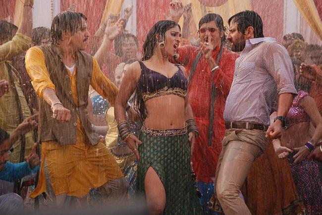 Mahi Gill wet photos in bullet raja, mahie gill and saif ali khan dance