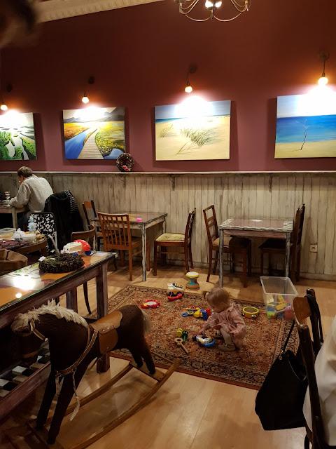 Sweet Surrender- klimatyczna kawiarnia przyjazna dzieciom