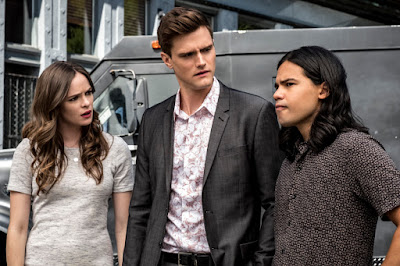 """The Flash -- """"Nora"""" -- Image Number: FLA501b_0239b.jpg -- Pictured (L-R): Danielle Panabaker as Caitlin Snow, Hartley Sawyer as Dibney and Carlos Valdes as Cisco Ramon -- Photo: Katie Yu/The CW -- © 2018 The CW Network, LLC. All rights reserved"""