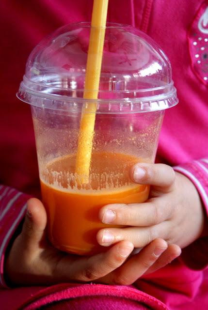właściwości marchewki, cyrtyny,imbirujabłka, cudowne właściwości soku,soki tłoczone ,wyciskarka ślimakowa,zdrowy sok,