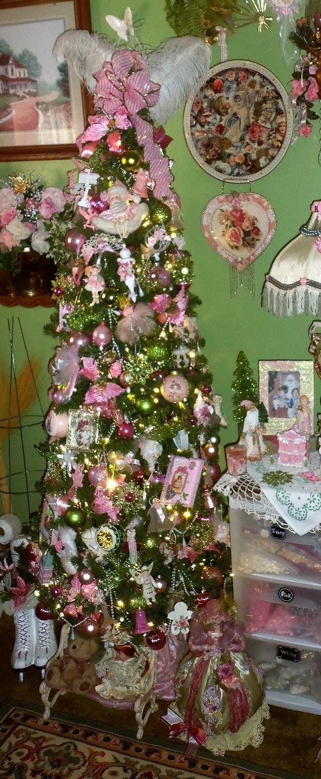 A DEBBIE-DABBLE CHRISTMAS: Craft Room Tree, Christmas Home Tour 2016