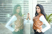 priyashri new sizzling stylish photos-thumbnail-8