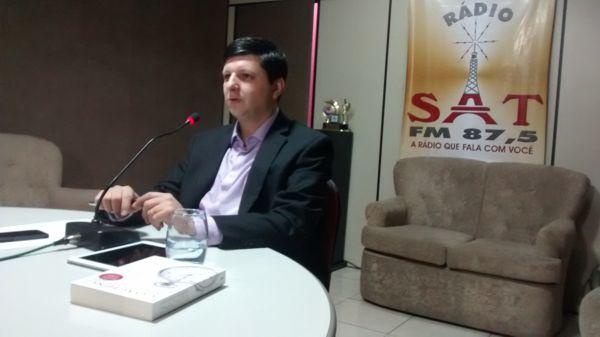 Professor Douglas de Matteu