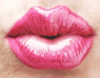 4 Bahan Alami Untuk Mencerahkan Bibir