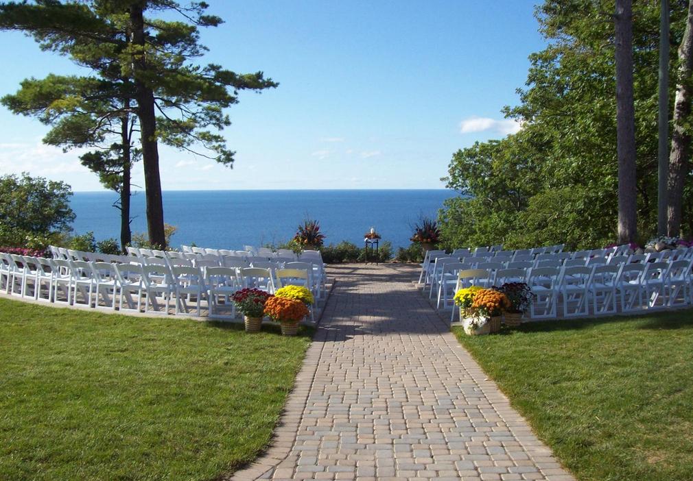 The Homestead Glen Arbor Wedding Venue