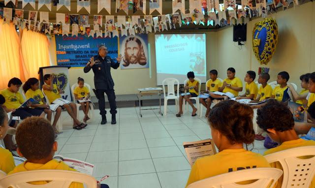 Crianças e adolescentes da LBV recebem orientações de prevenção às drogas