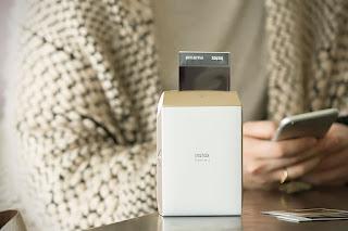 Fuji instax, share, share sp 2, polaroid, fujifilm, instantánea, fotografía, smartphone, diseño, precio, dorado, redes sociales, wifi