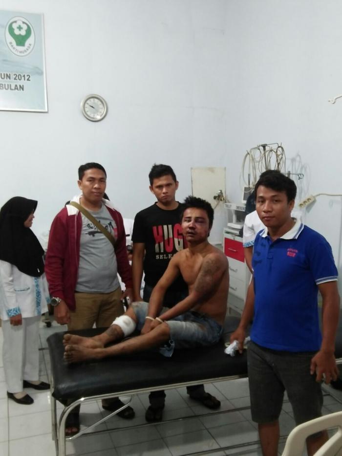 Tersangka saat berada di RSU Kota Padangsidimpuan
