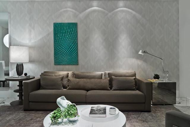 sala clean bege, papel de parede sofa e quadro destaque