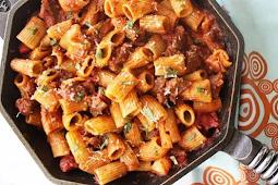 Easy, Hearty Rigatoni with Italian Sausage #dinner #recipe