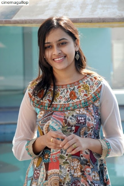 IMG 20170801 WA0148 - Actress Sri Divya's Hot & Spicy Images In Saree|Top 25-Spicy Photos|decide to go NO Glamour in Her Movies