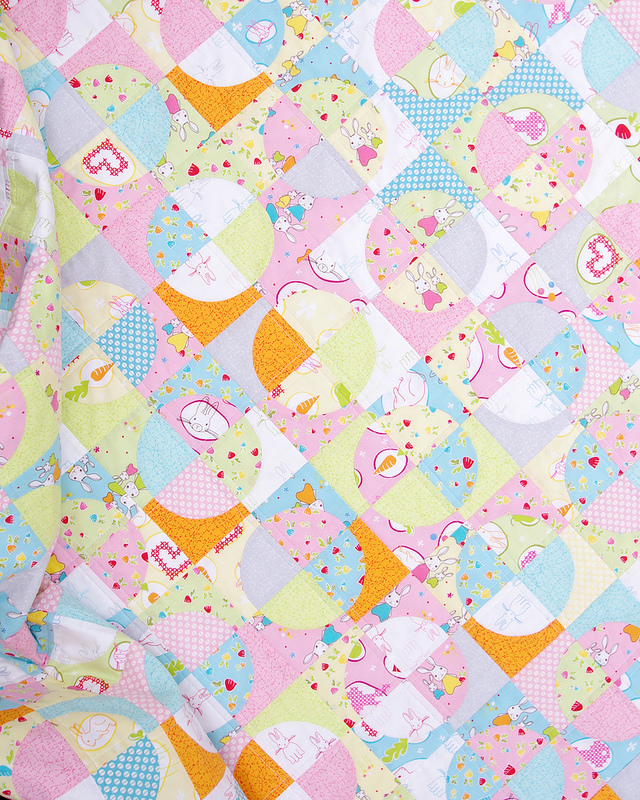 Bunny Trail Drunkard's Path Quilt | Red Pepper Quilts 2016