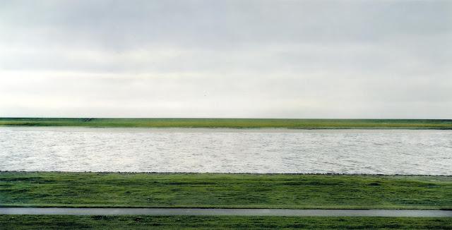 Foto Andreas Gursky Rhein II adalah foto termahal di dunia