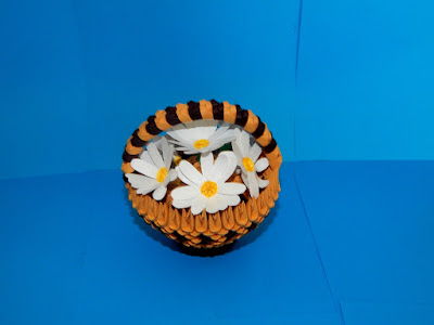 3d origami basket with daisy flowers
