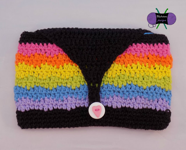 http://www.ravelry.com/patterns/library/rainbow-sherbert-tablet-cover